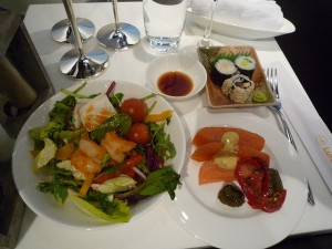 München Airport Lufthansa First Class Lounge - selection of hors d'œuvreFoto: NewbieRunner