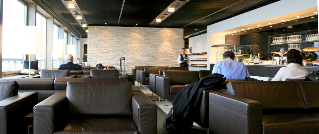 Coctailbar in der Swiss First Class Lounge am Flughafen ZürichFoto: nekedsky