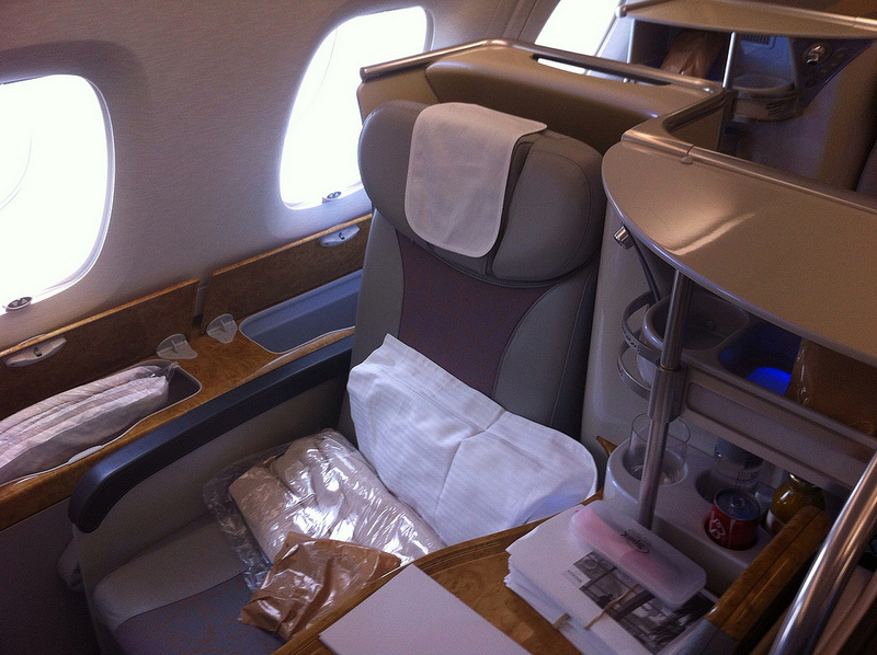 insider infos zur emirates a380 business class. Black Bedroom Furniture Sets. Home Design Ideas