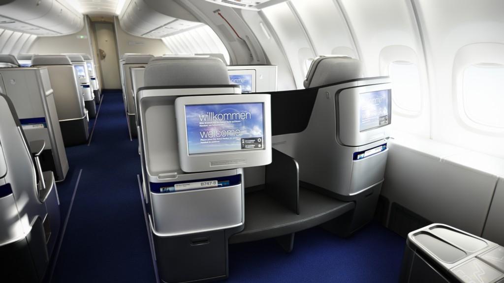 Größerer Bildschirm mit 15 Zoll statt 10,4 Zoll Foto: Lufthansa