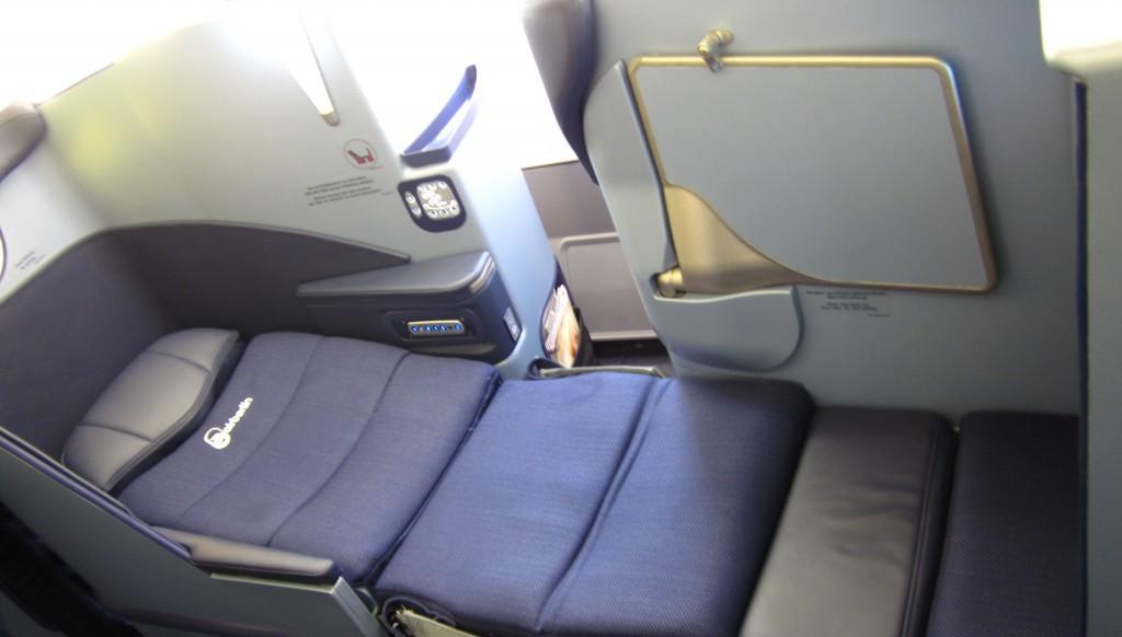 neuer Sitz mit Full-Flat-FunktionFoto: vielflieger-lounges