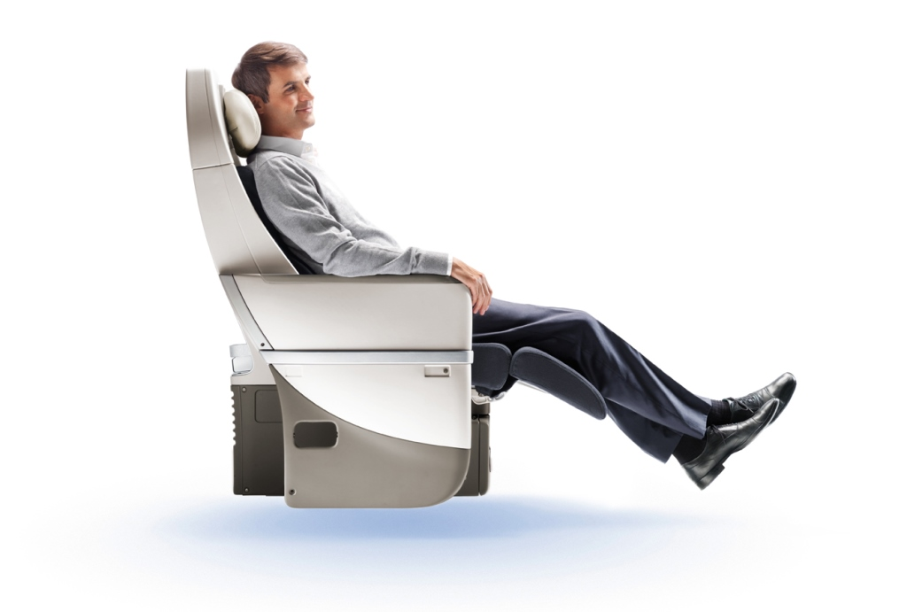 Der Premium Sitz der Air France mit einer Sitzneigung von 123°, einer Breite von 48 cm und einem Sitzabstand von 97 cm Foto: Air France