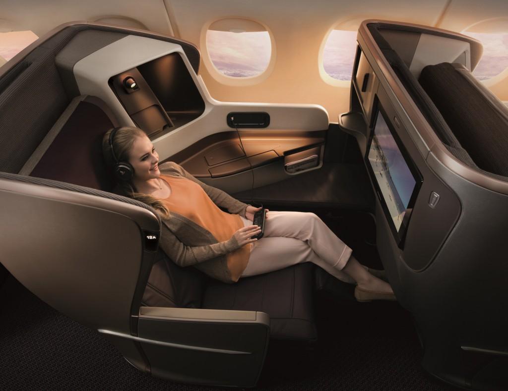Der neue Business Class Sitz der SIA ist mit 72 cm 14 cm schmaler als das Vorgängermodell aber bietet dafür mehr Ablagefläche Foto: Singapore Airlines