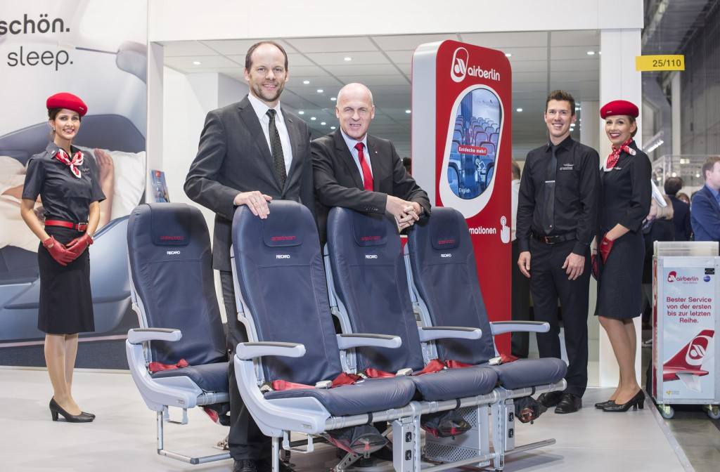 Stefan Pichler, airberlin CEO und links Dr. Mark Hiller, Geschäftsführender Gesellschafter von Recaro Aircraft Seating