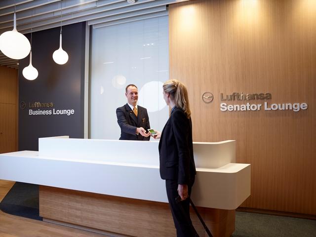 Lufthansa Business und Senator Lounge Satellit MUC Foto: Lufthansa