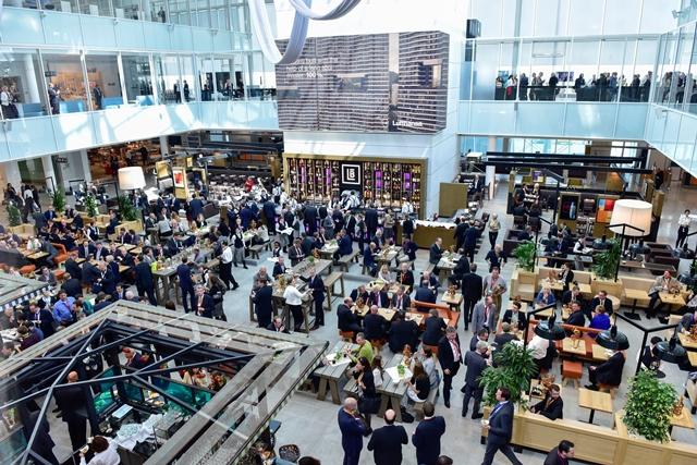 Zentrum des Satelliten Foto: Flughafen München