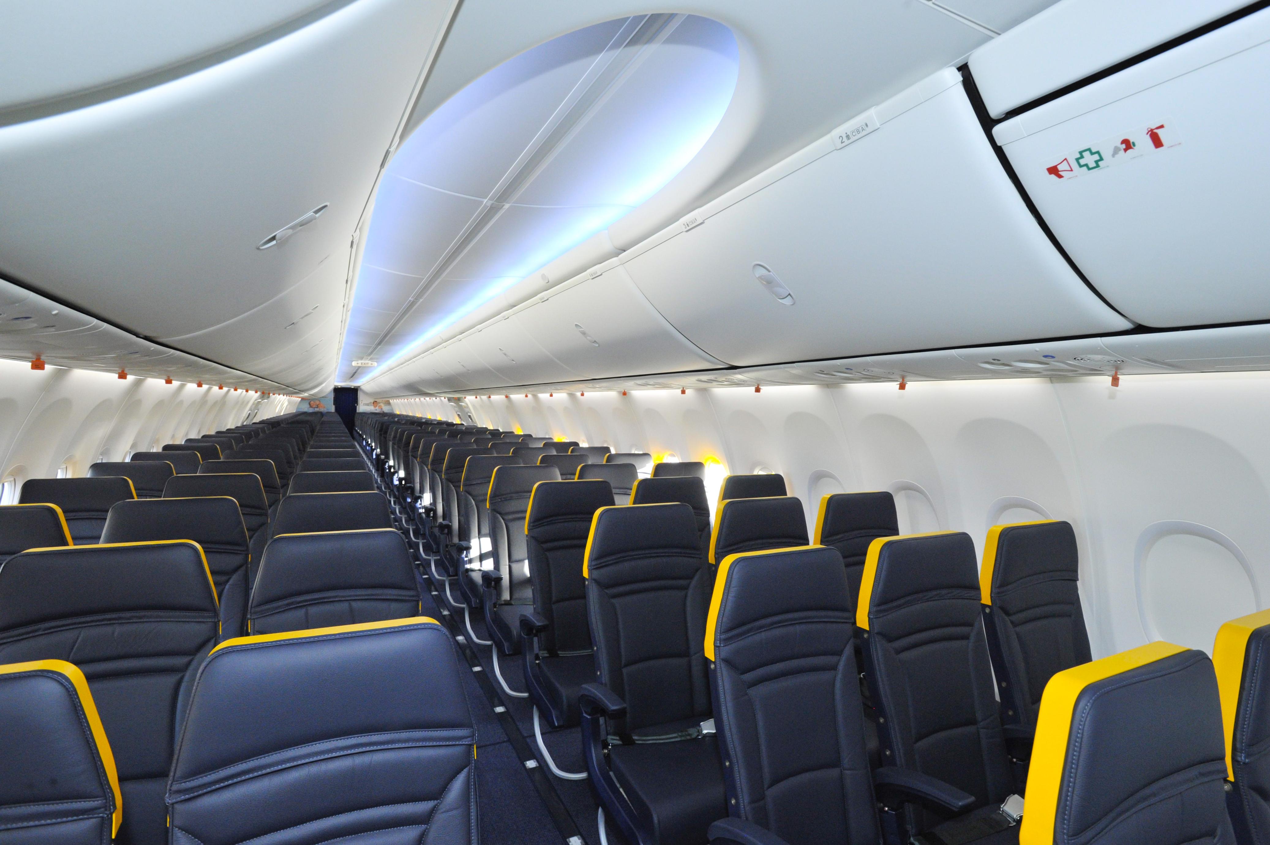 Die business plus class von ryanair wird jetzt verbessert for Interieur avion easyjet
