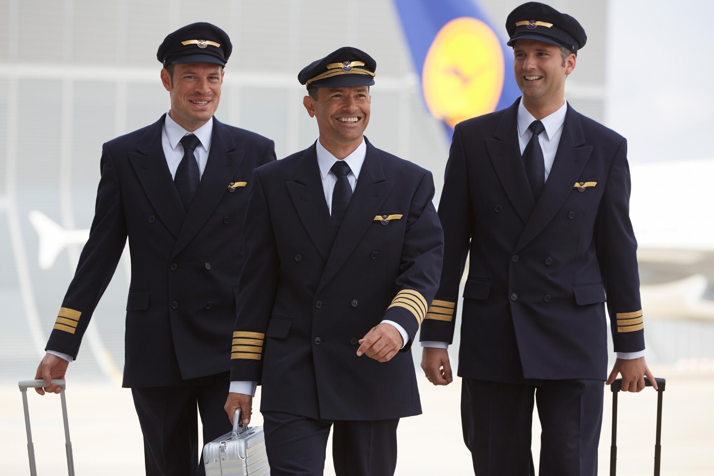 Gesichter der Lufthansa, Gesichter der Welt, Uniformen, Menschen, Kommunikation. Frankfurt, den 2.07.2013 Quelle: Lufthansa